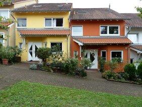 Reihenhäuser mit Mineralfarben in Mosbach.