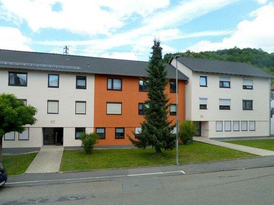 Neu gestrichene Fassade in Mosbach