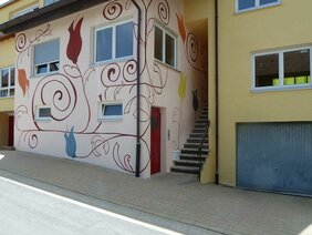 Fassadenmalerei mit Mineralfarbe